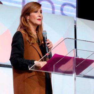 Manantial Para El Que Clama – Pastora Lourdes Acero